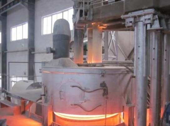Graphite electrode for electric arc furnace in operation